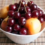 Вишня и абрикосы