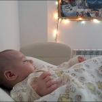 Приятно поспать после завтрака. Кате 1 месяц.