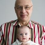 Каникулы с дедушкой. Кате 2 месяца.