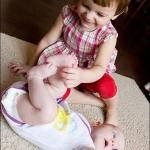 Какие пятки смешные! Катя и Гуня