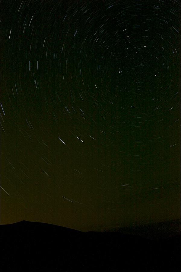 Ночь в пустыне. Круговорот звезд