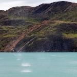 Национальный парк Torres del Paine, вихри на воде